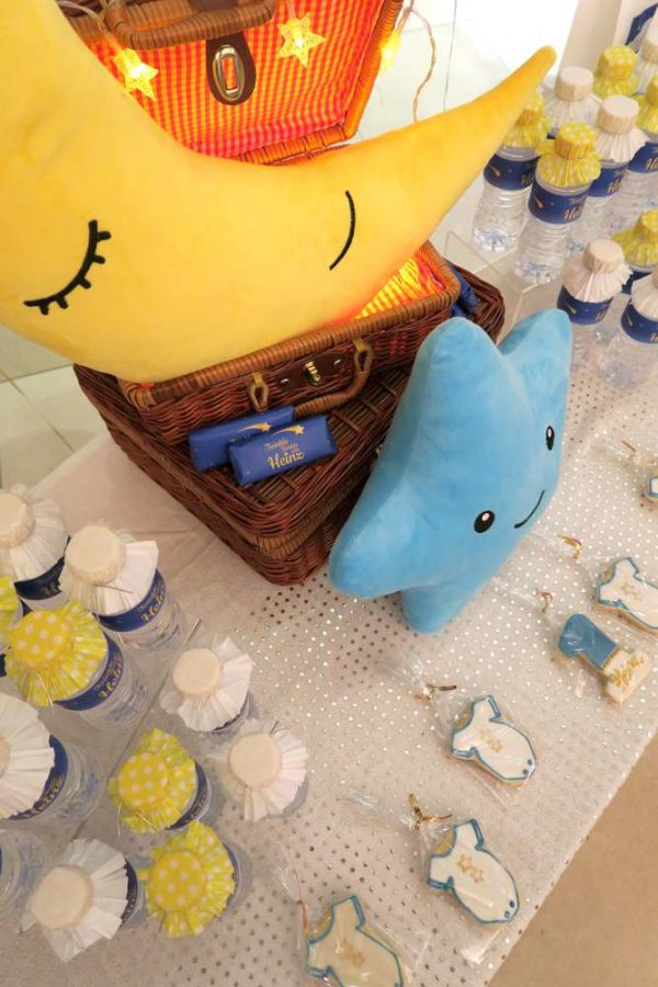 twinkle-twinkle-little-star-golden-baby-shower-small-pillows