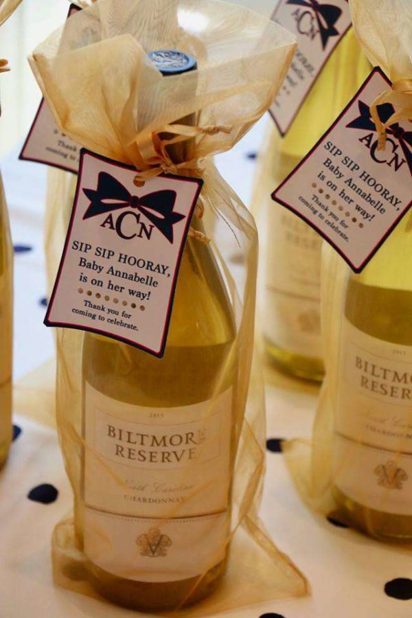 kate-spade-baby-shower-wine-favors-with-tags