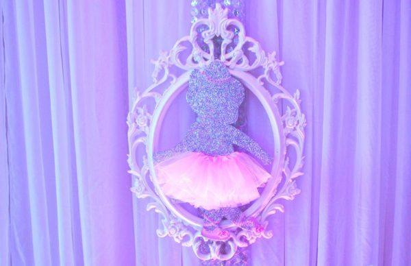 beautiful-ballerina-baby-shower-silhouette-mirrored-frame