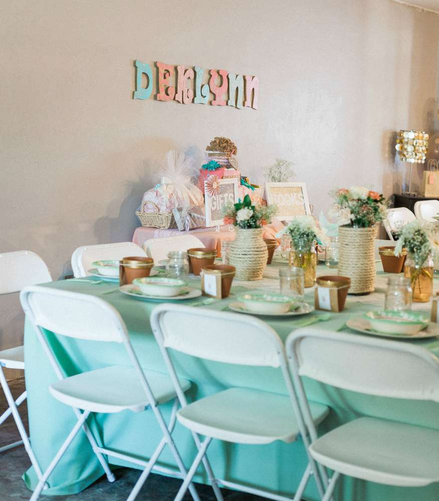 blooming-baby-shower-guest-seating