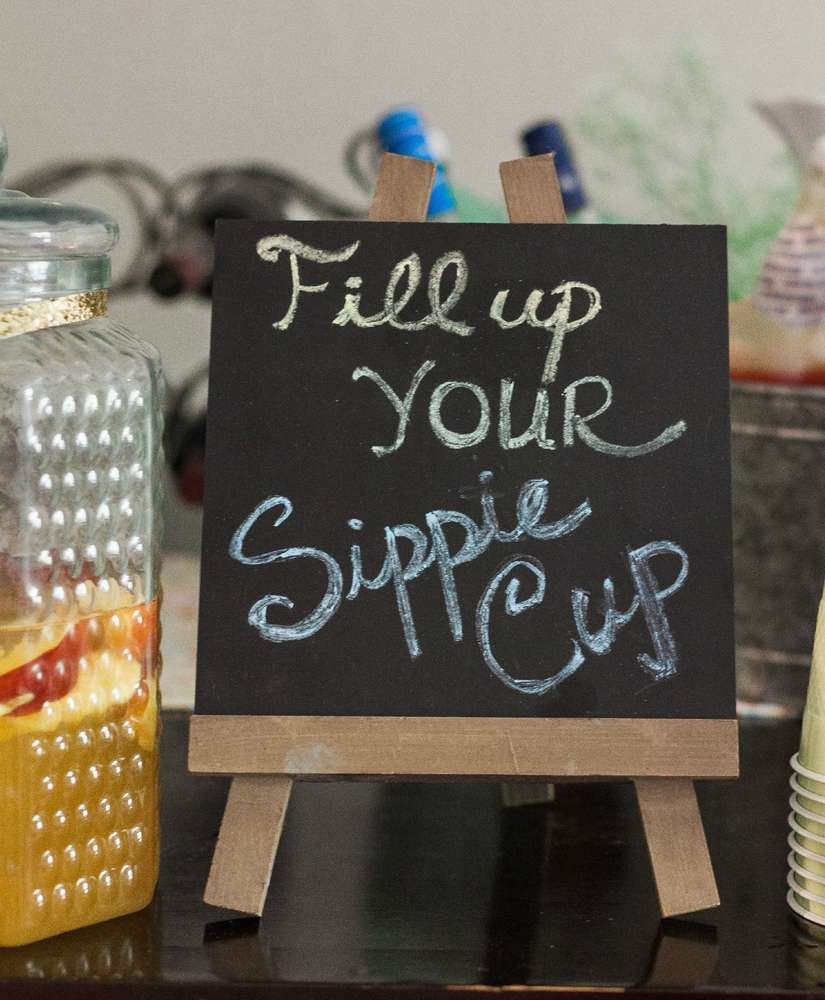 blooming-baby-shower-sippy-cup-board-art