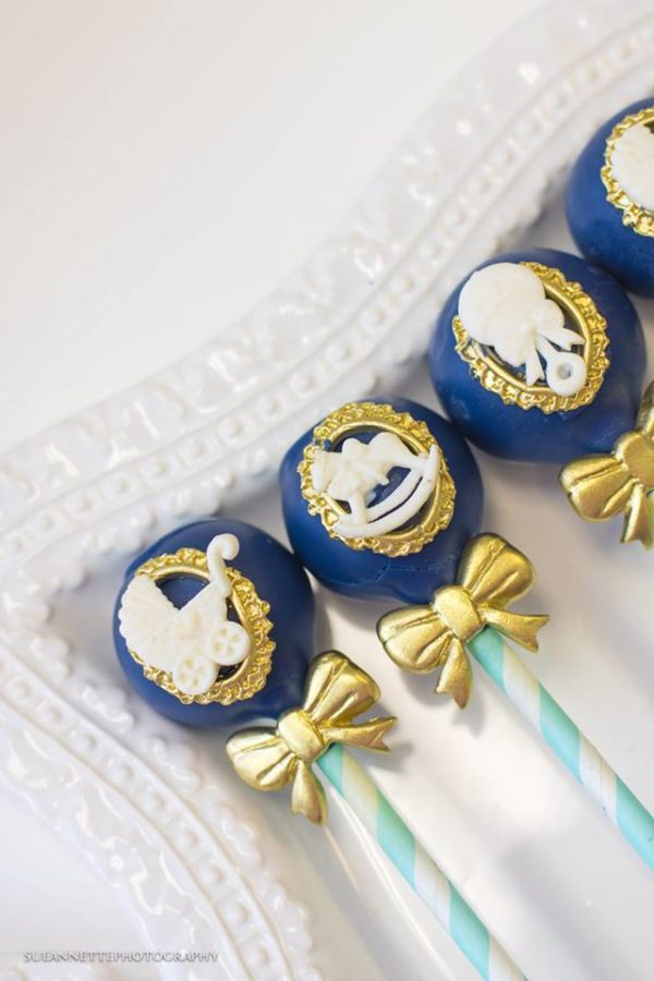 chic-blue-baby-shower-blue-cakepops