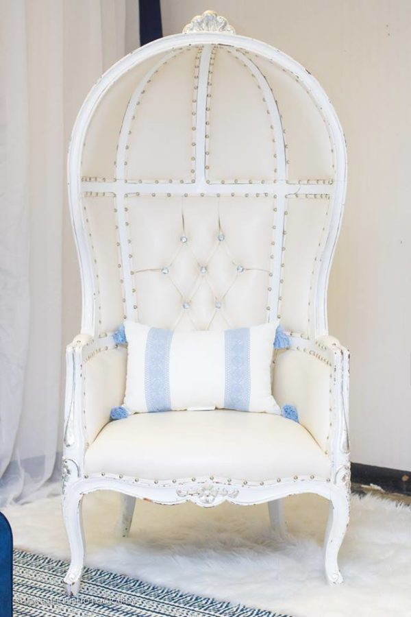 chic-blue-baby-shower-oversized-chair