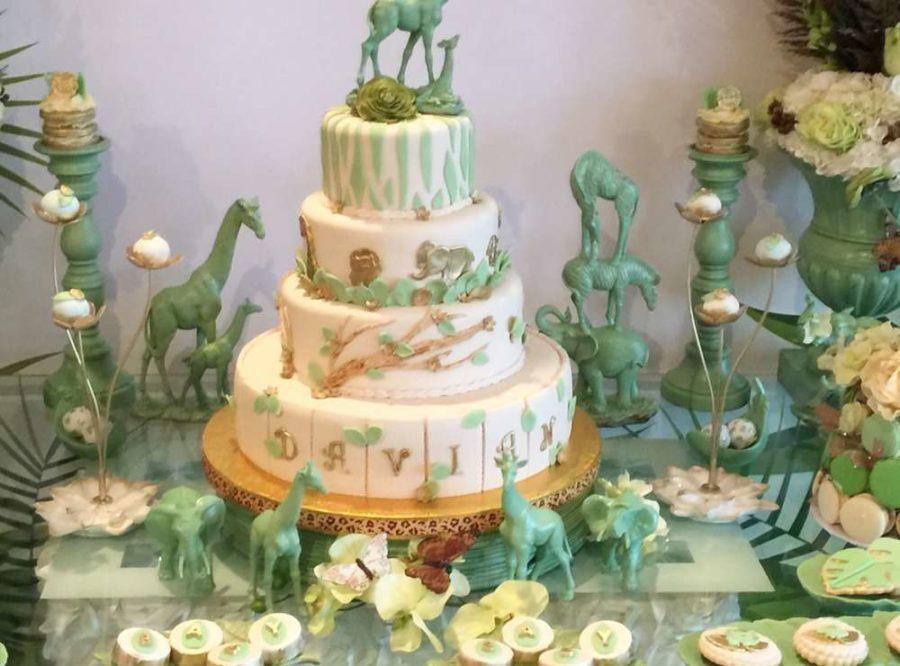 mint-green-jungle-baby-shower-giraffes