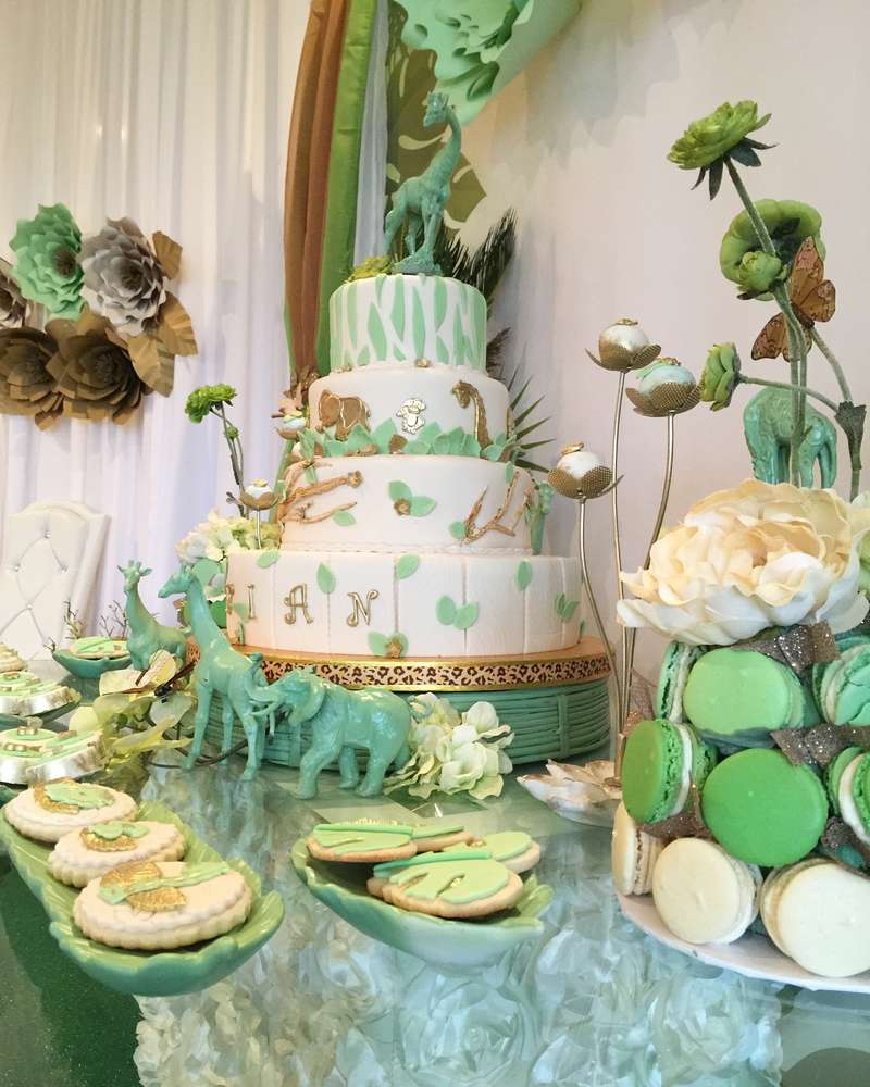 mint-green-jungle-baby-shower-macaron-tree