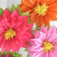 tropical-baby-shower-giant-flowers-decorations