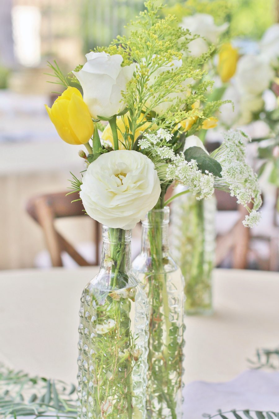 baby-to-bee-outdoor-shower-floral-centerpieces