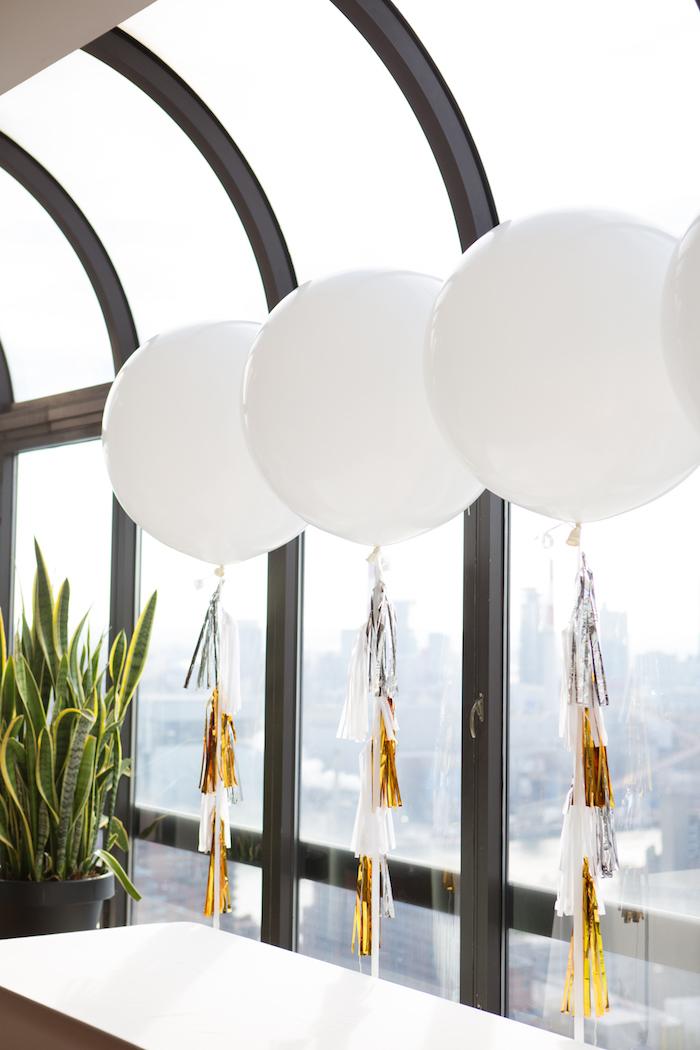 shimmering-chic-baby-shower-balloon-decor