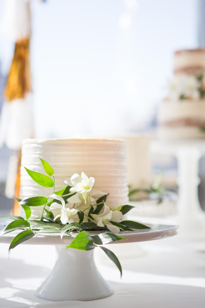 shimmering-chic-baby-shower-cake-flowers