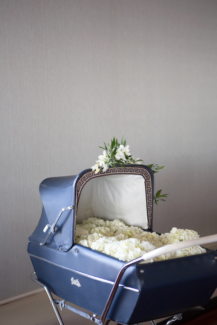 shimmering-chic-baby-shower-flower-carriage