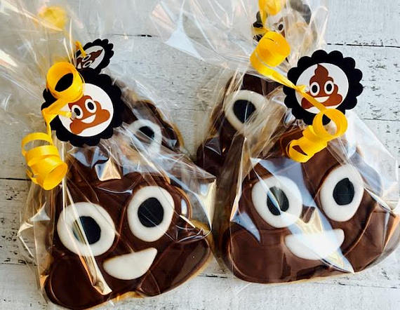 poop emoji baby shower decoration cookies