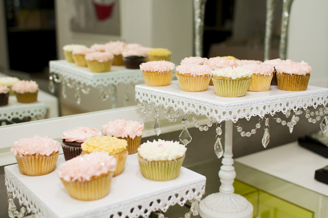 floral-tea-party-baby-shower-cupcake-trays