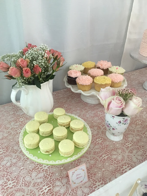 floral-tea-party-baby-shower-flowers-cookies