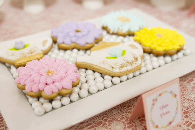 floral-tea-party-baby-shower-sugar-cookie-flower