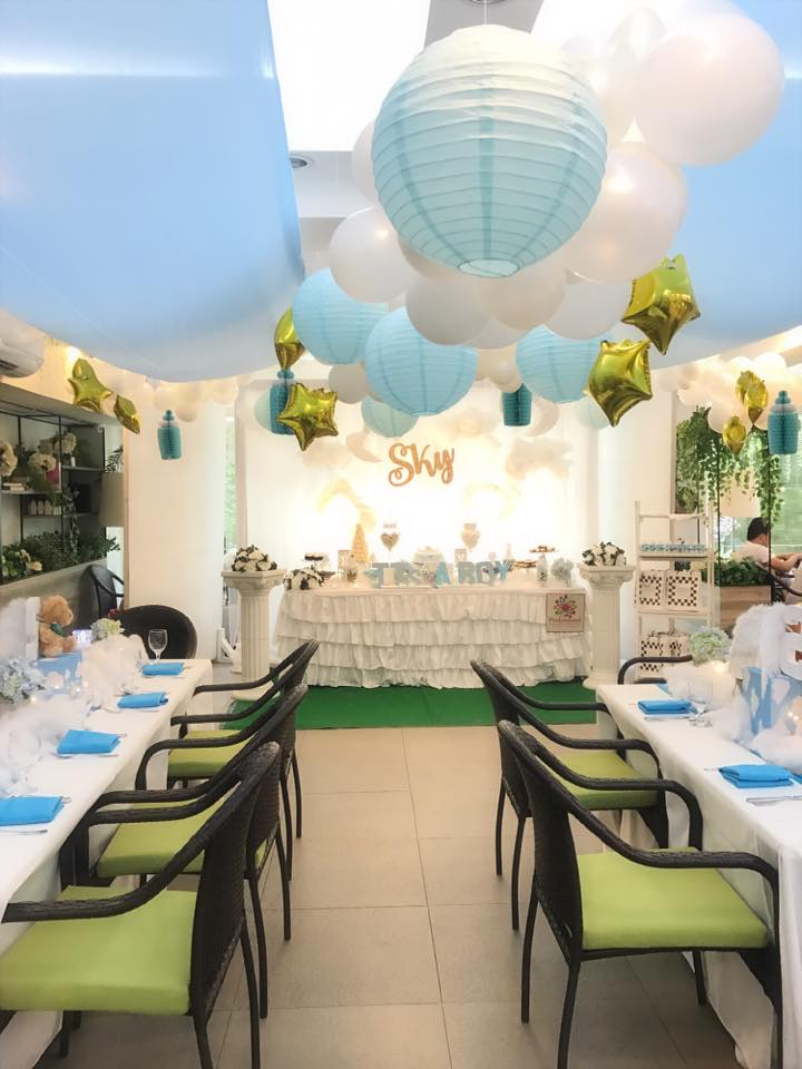 sky-blue-baby-shower-guest-seating