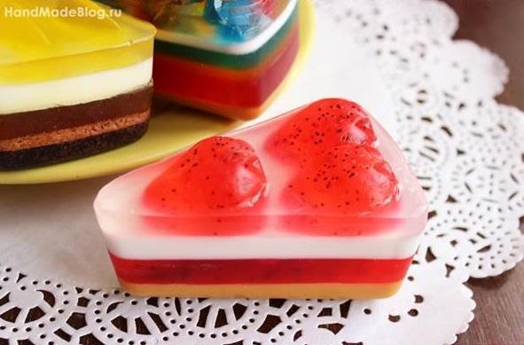 diy-handmade-cake-of-soap-favors-handmade-strawberry