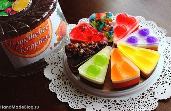 diy-handmade-cake-of-soap-favors