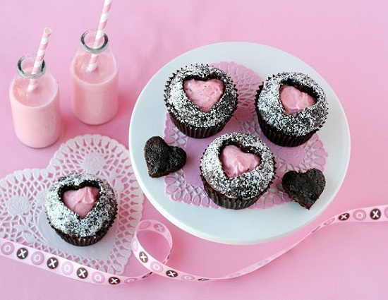 pink-heart-cupcakes