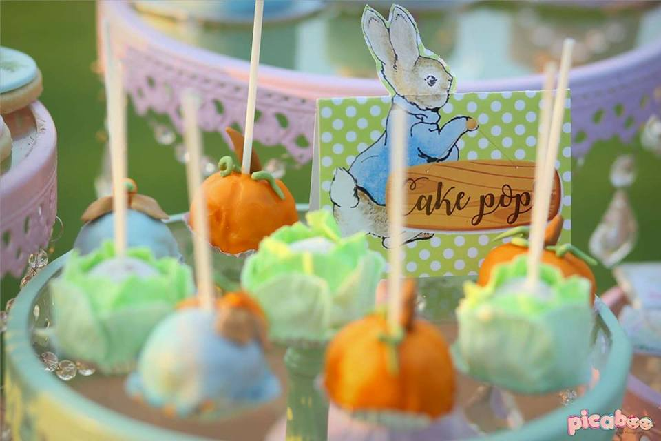 elegant-peter-rabbit-garden-party-cakepops-pumpkin-and-cabbage