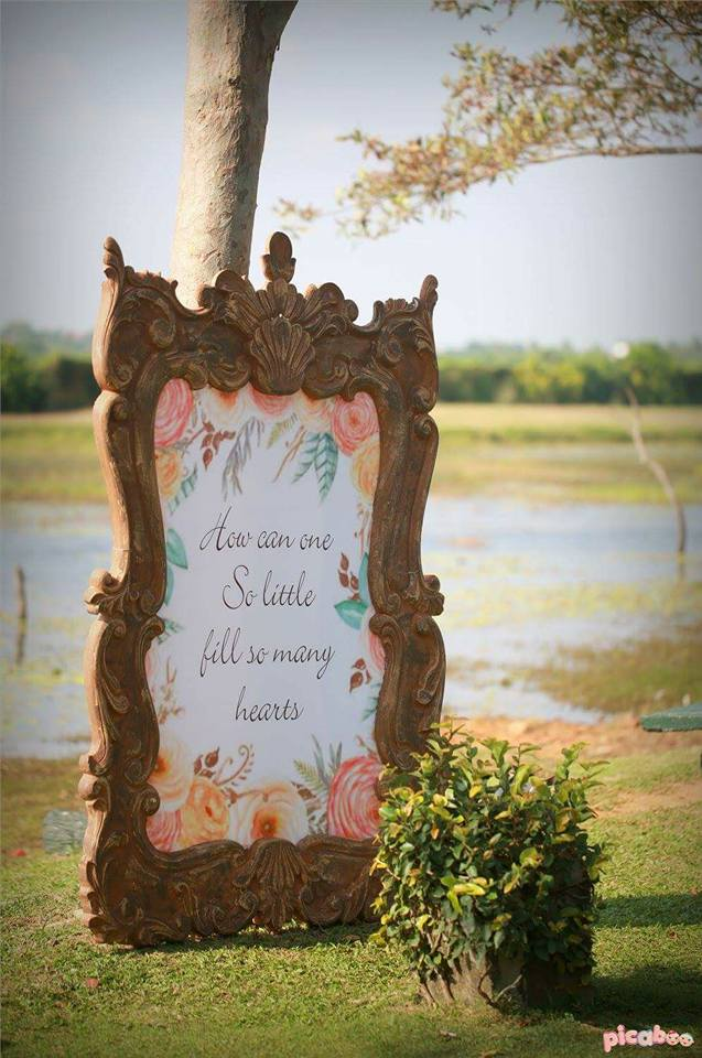 elegant-peter-rabbit-garden-party-decor-signage