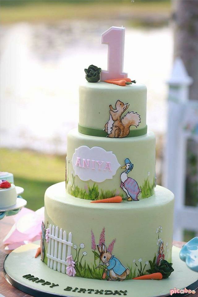 elegant-peter-rabbit-garden-baby-shower-cake