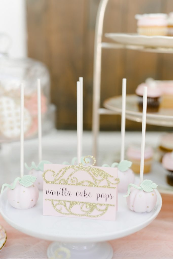 pretty-little-pumpkin-baby-shower-cakepops