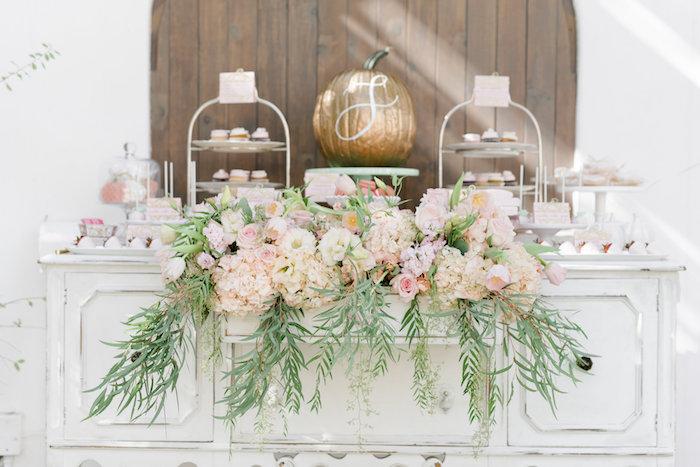 pretty-little-pumpkin-baby-shower-flower-arrangement
