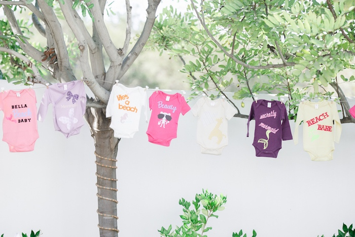 pretty-little-pumpkin-baby-shower-onesie-clothesline