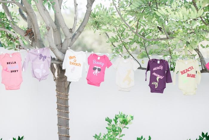 pretty-little-pumpkin-baby-shower-onesie-clothesline