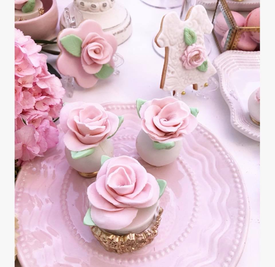pretty-pink-and-floral-baby-shower-flower-cakepops