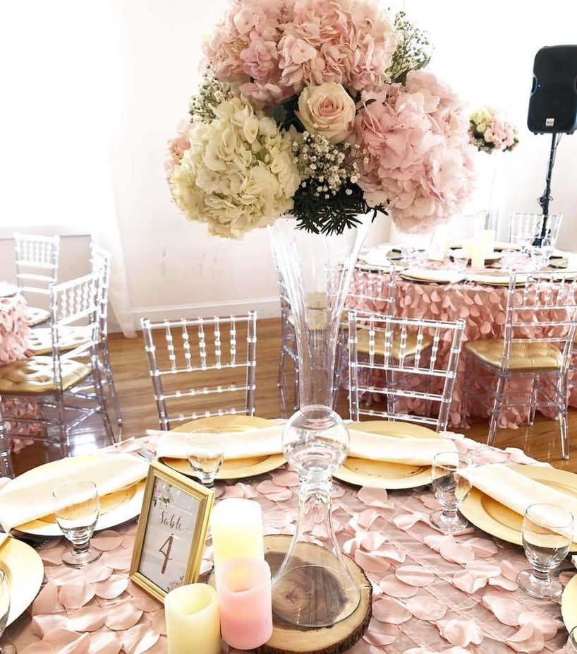 pretty-pink-and-floral-baby-shower-guest-tables