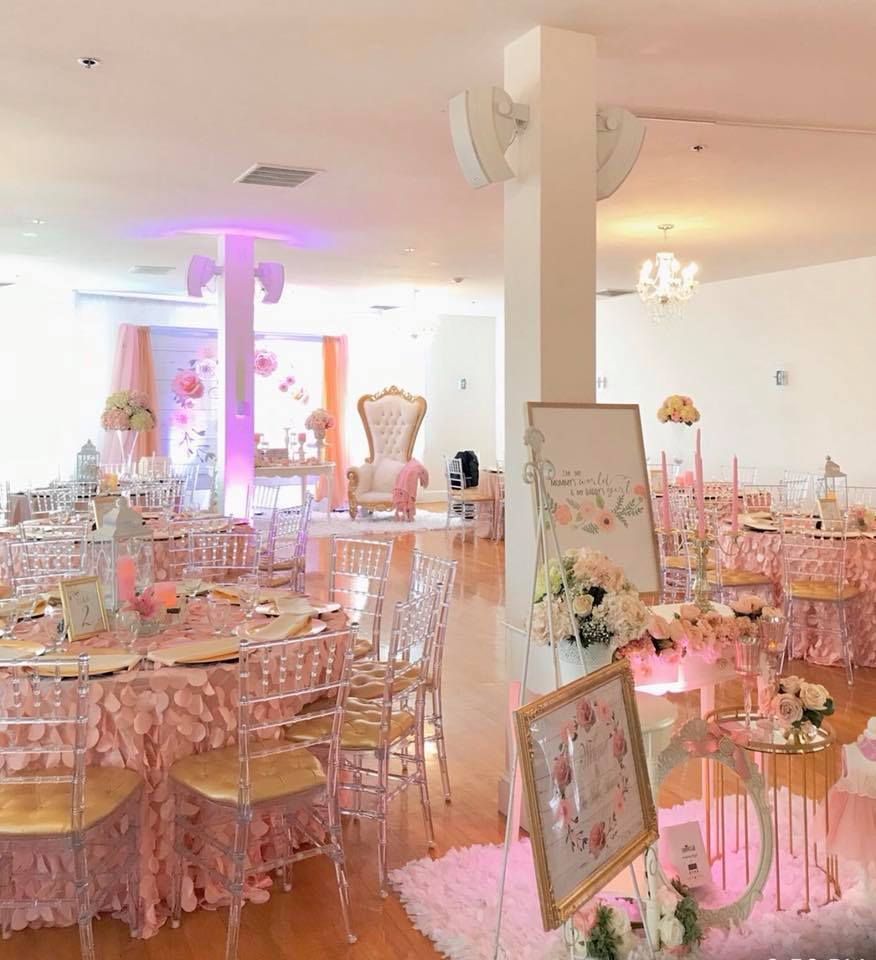 pretty-pink-and-floral-baby-shower-party-room