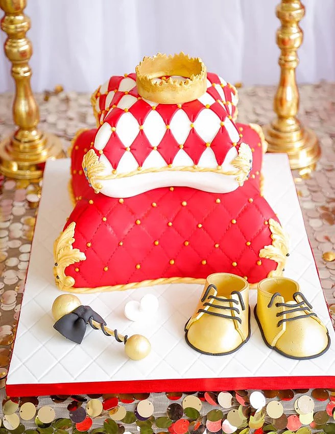 red-and-gold-royal-prince-baby-shower-cake