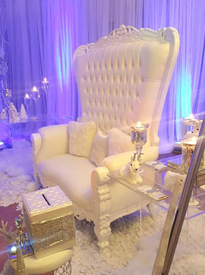 winter-wonderland-baby-shower-mommy-to-be-chair