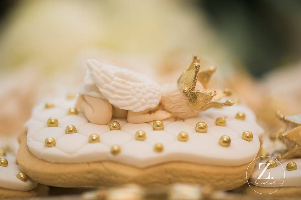 angel-prince-baby-shower-cookies-in-gold-white