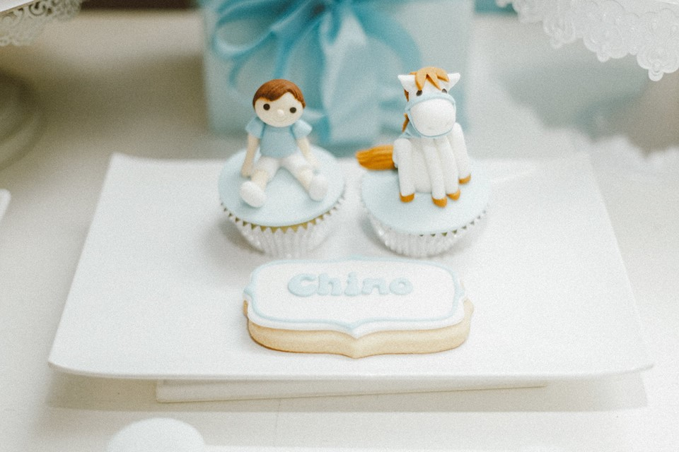blue-carousel-baptism-baby-shower-dessert-station-cupcakes