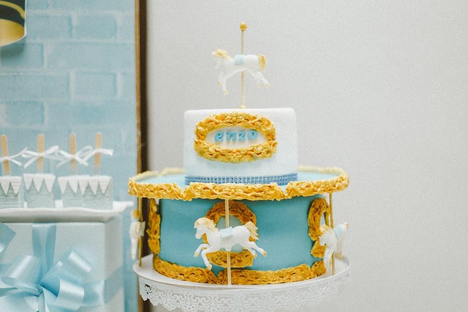 blue-carousel-baptism-centerpiece-cake