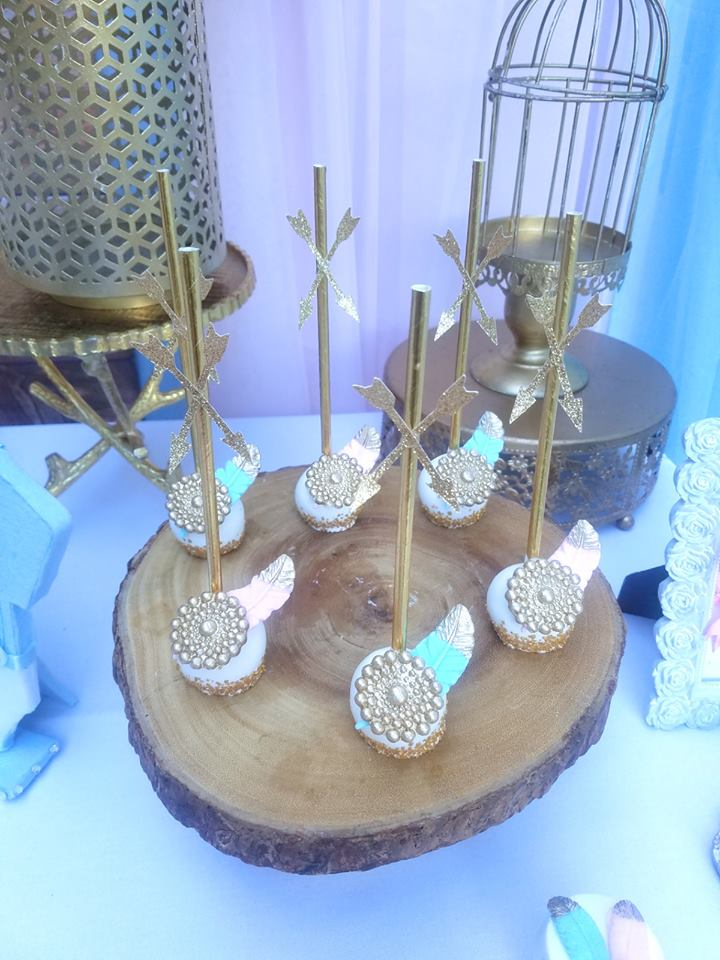 boho-gender-reveal-party-feather-cakepops