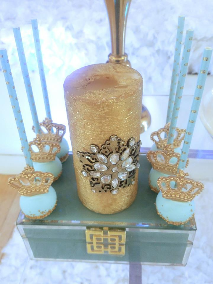 light-blue-gold-royal-prince-baby-shower-decorations