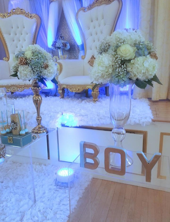 light-blue-gold-royal-prince-baby-shower-floral-arragement