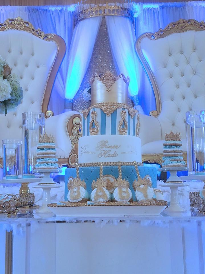 light-blue-gold-royal-prince-baby-shower-gold-crown-cake