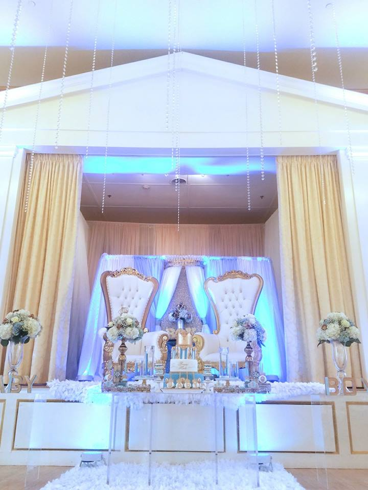 light-blue-gold-royal-prince-baby-shower-room