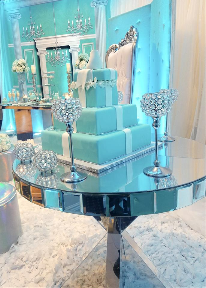 tiffany-baby-shower-ideas-cake-centerpiece
