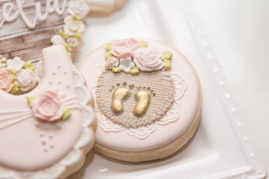 charming-blush-garden-baby-shower-baby-feet-cookies