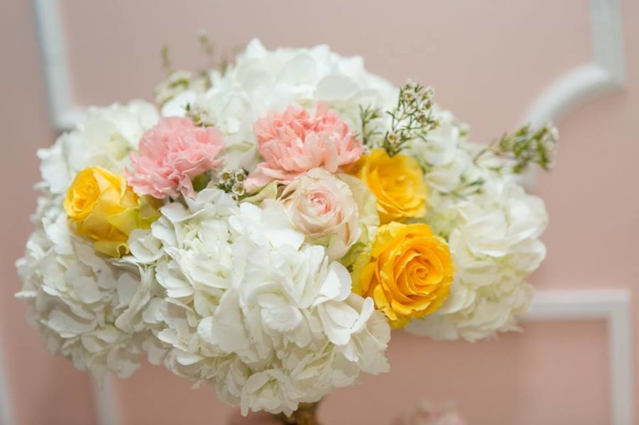 charming-blush-garden-baby-shower-colored-flowers