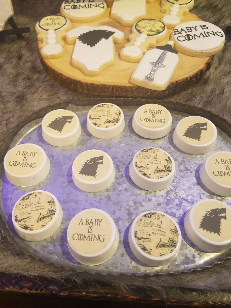 fabulous-game-of-thrones-baby-shower-cookies