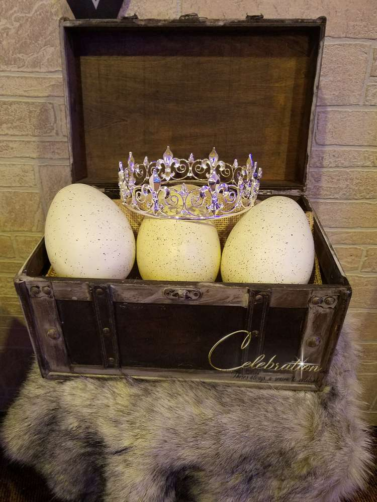 fabulous-game-of-thrones-baby-shower-eggs