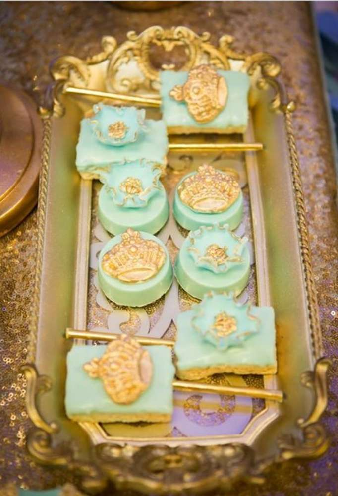 gold-and-blue-royal-baby-shower-beautiful-treats