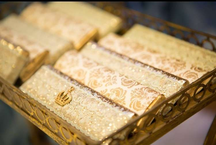 gold-and-blue-royal-baby-shower-candy-bar-in-gold-damask