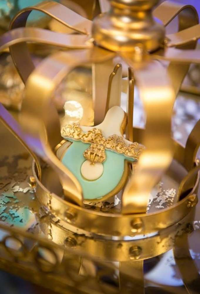 gold-and-blue-royal-baby-shower-pacifier-cookies